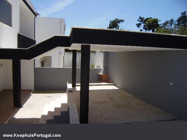 Te koop nieuw gebouwde moderne woning in salir do porto - Zeer moderne woning ...