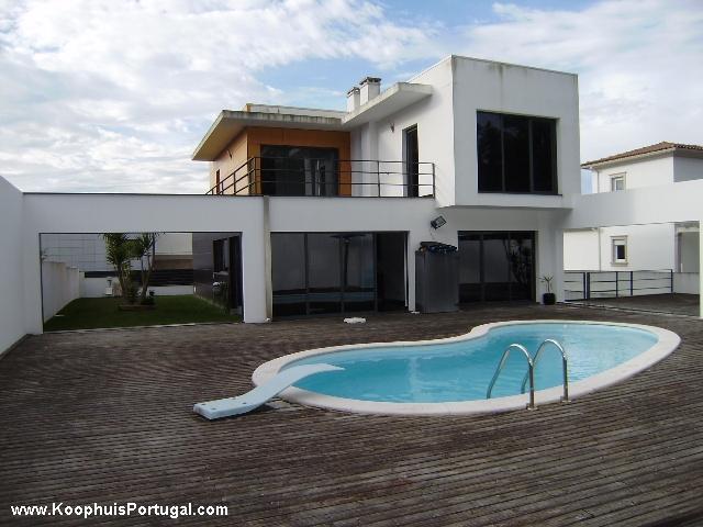 Moderne villa met zwembad nabij strand en nazare - Zwembad terras outs ...