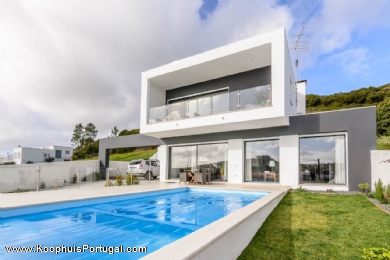 Modern 3 bedroom villa with pool