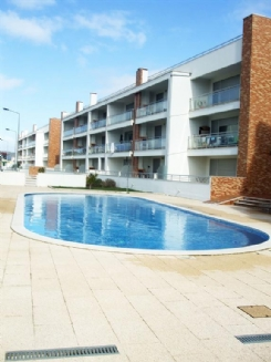 2 bedroom furnished apartment with pool